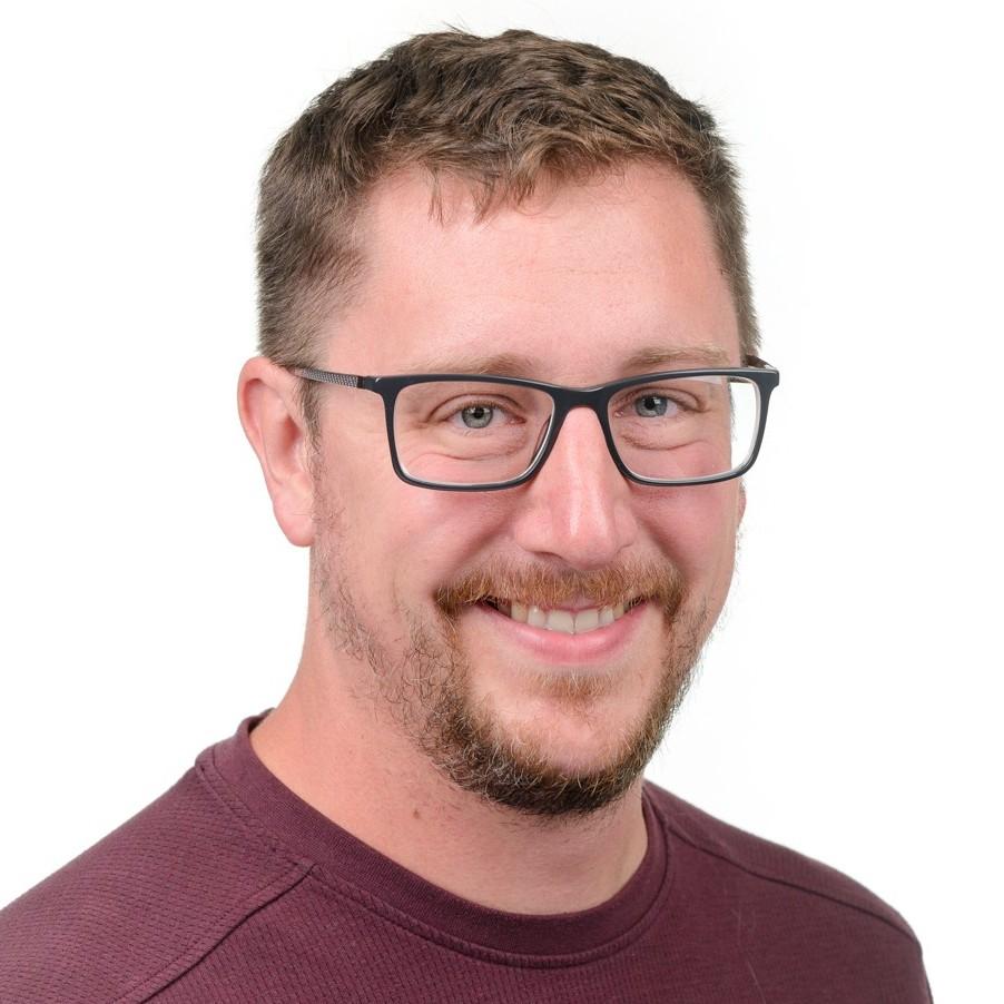 Adam Fischbach (1)